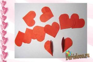 объемная гирлянда из бумажных сердечек